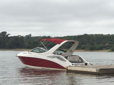 Lancha Focker 265 Open c/ Mercruiser 5.7L 300HP Gas. - Bravo 3 + Carreta