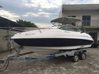 Lancha Focker 215 Black c/ Mercury 150HP Optimax + Carreta