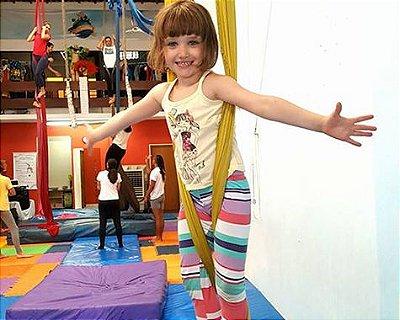Aula de Circo: Brincando e aprendendo de montão!