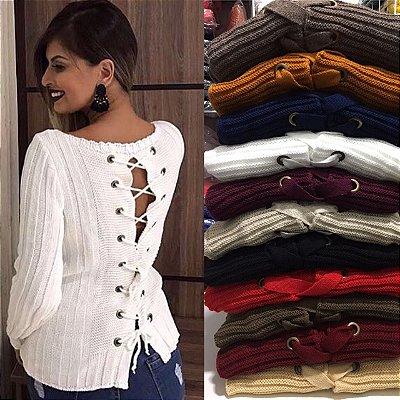 Blusa tricot detalhe em ilhós nas costas
