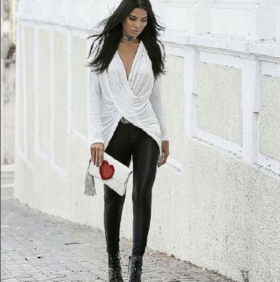 Blusa Mullet manga longa decote frente torcido