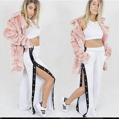 Calça Fashion, branca lateral preta com fechos. Tamanho único, veste P/M