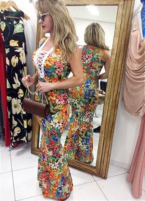Vestido longo decote ilhós, saia modelo sereia