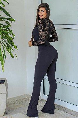 Macacão Feminino Comprido, barra flare mangas e decote costas em renda.