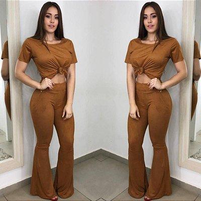 Conjunto Feminino Em Suede blusa + Calça Flare / 2 peças em TECIDO SUEDE