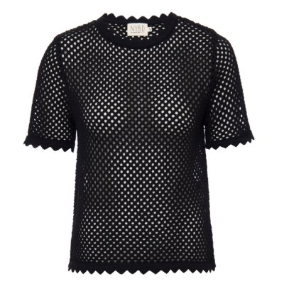 T-Shirt Tricot Furadinha Preta