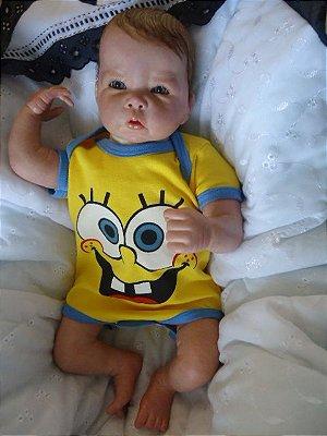 Bebê reborn menino com 2 kg e 50 cm aproximadamente