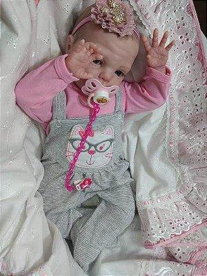 Bebê reborn menina com 2,250 kg e 54 cm aproximadamente, molde importado