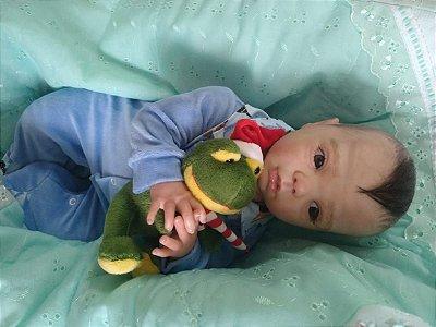 Bebê reborn, menino, cabelos parte implantados e parte pintados (combo), corpo em tecido