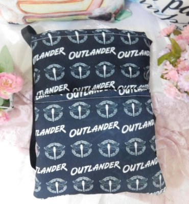 Capa Tipo Luva para Livro -  Outlander - Black