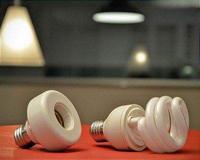 Bluelux e lâmpada fluorescente dimerizável