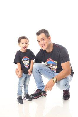 PAI E FILHO > Kit 02 Camisetas Pretas com Estampa de Cachorro [Coleção Tal Pai Tal Filho]