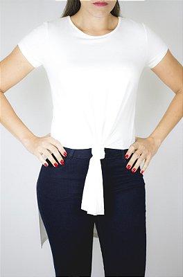 Blusa com recorte lateral