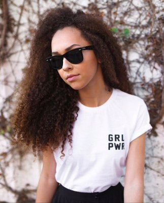 Camiseta Feminina GRL PWR - minimalista