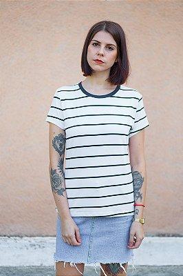 Camiseta Feminina Listrada Lírio