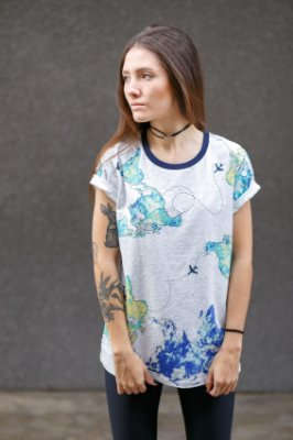 Camiseta Feminina Mundo