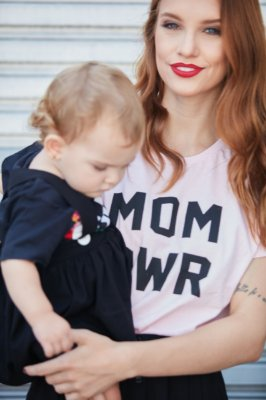 Camiseta Feminina MOM PWR Rosa