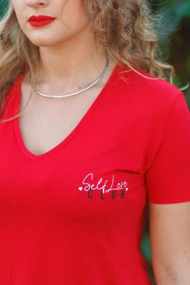 Camiseta Feminina Viscose Decote V Self Love Vermelha
