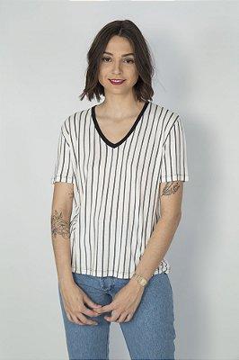 Camiseta Feminina Decote V Listra Vertical