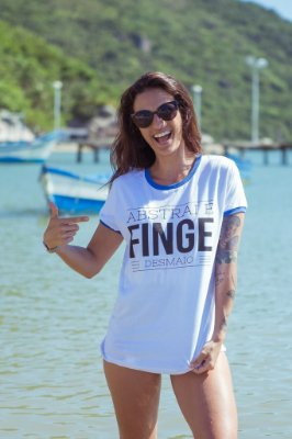 Camiseta Feminina Abstrai