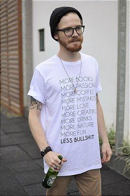 Camiseta Masculina More Less