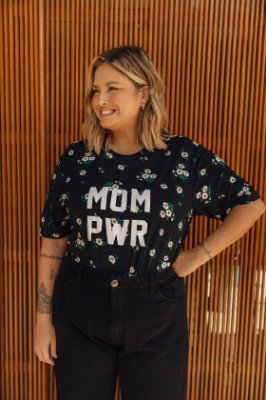Camiseta MOM PWR Margaridas