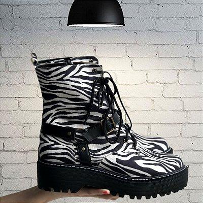 Coturno Bota Fivela Preto Zebra