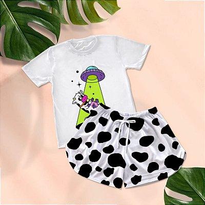 Conjuntinho Pijama Shorts e Camiseta Vaca Disco Voador