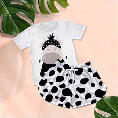 Conjuntinho Pijama Shorts e Camiseta Vaca Cow Print