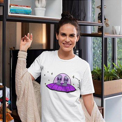 Camisola Feminina Branca Manga Curta  Estampa Aliens