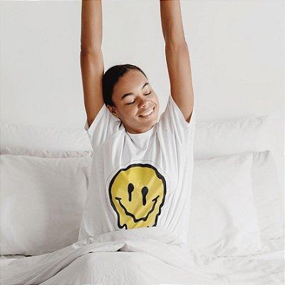 Camisola Feminina Branca Manga Curta Estampa Smile