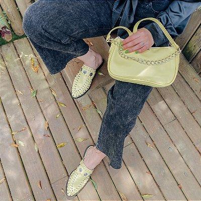 Combo: Mule Tachas Amarela e Bolsa Baguete Amarela