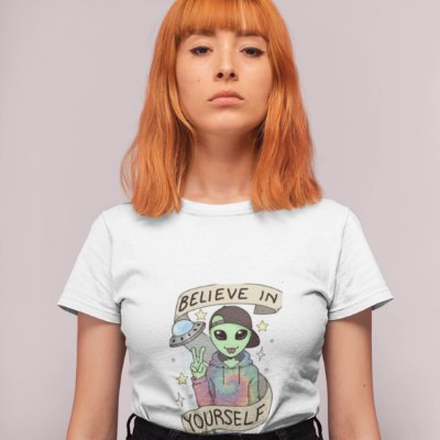 T-Shirt Branca Alien Believe