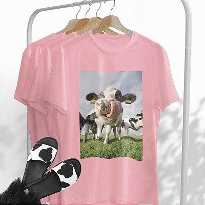Combo Vaca: Uma T-shirt Rosa + Chinelo Vaca