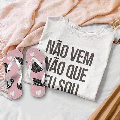 Combo Não vem não: T-shirt Branca + Chinelo de dedo + Pochete