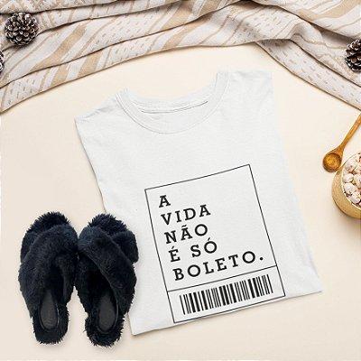 Combo Boleto: Uma T-shirt  + Chinelo peluciado