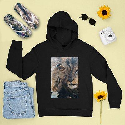 Combo Moletom Preto Capuz + Chinelo: Leões