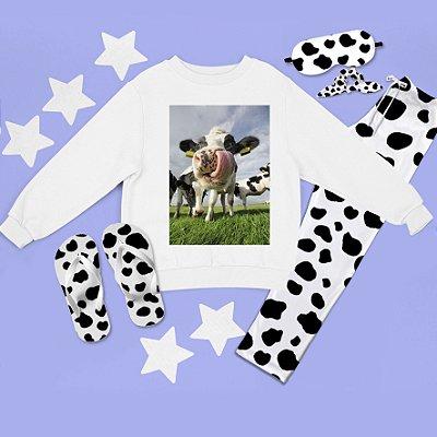 Conjunto Moletom peluciado Vaca Língua + Calça Pijama + Chinelo de dedo