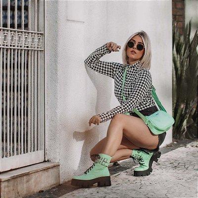 Combo Bolsa Baguete Verde + Coturno Zulema