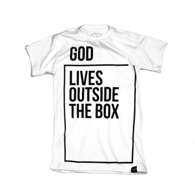 CAMISETA MASCULINA GOD LIVES