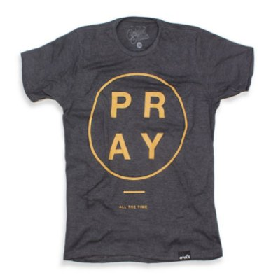 CAMISETA MASCULINA PRAY GOLDEN