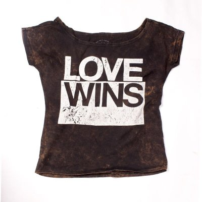 CAMISETA FEMININA LOVE WINS LAVADA