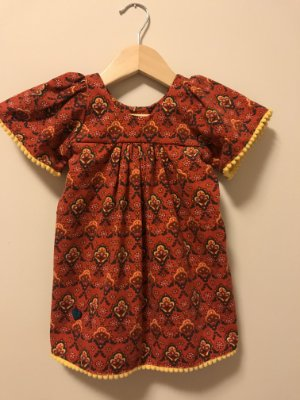 Vestido Veludo Pompom