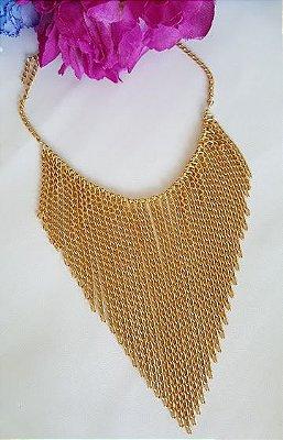 Colar com franjas de correntes dourado