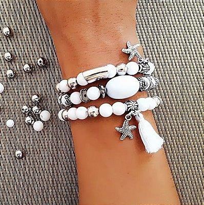 Kit de pulseiras branca com pingentes e tasel