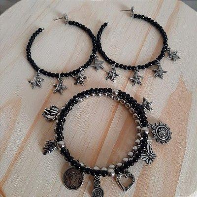 Conjunto brinco argola e pulseira preto com pingentes