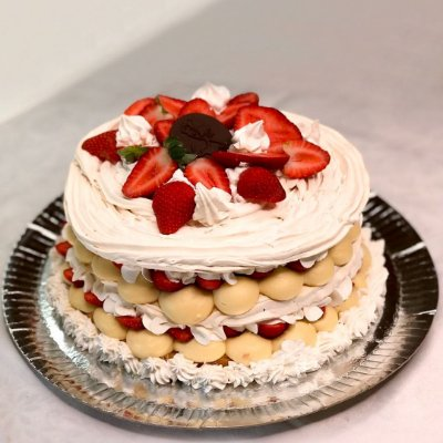 Torta Merengue de Morango