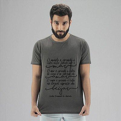 Camiseta Estonada Carlos Drummond Chumbo
