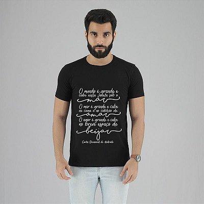 Camiseta Carlos Drummond Preta