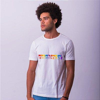 Camiseta Branca Resistência Estampa Arco-Íris